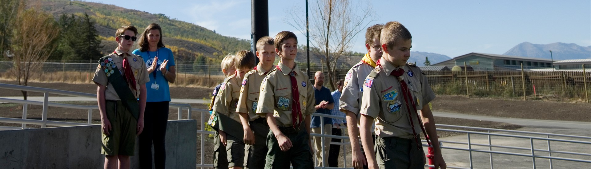 Boy scouts present flags at Munger Mountain ribbon cutting